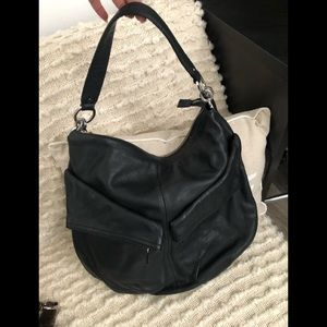 Blk Ann Taylor Loft leather purse